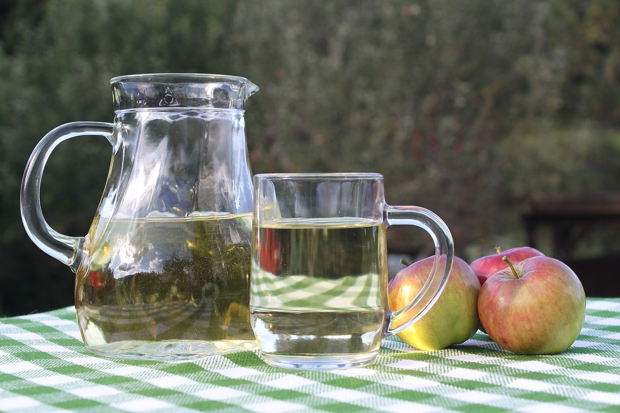 Cydr z jabłek – co to jest i jak zrobić?