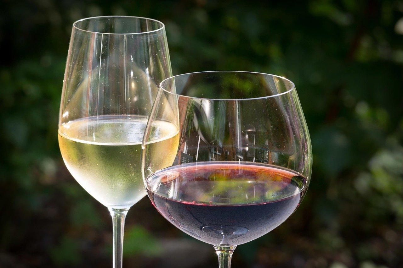 Jak dobrać kieliszki do wina?